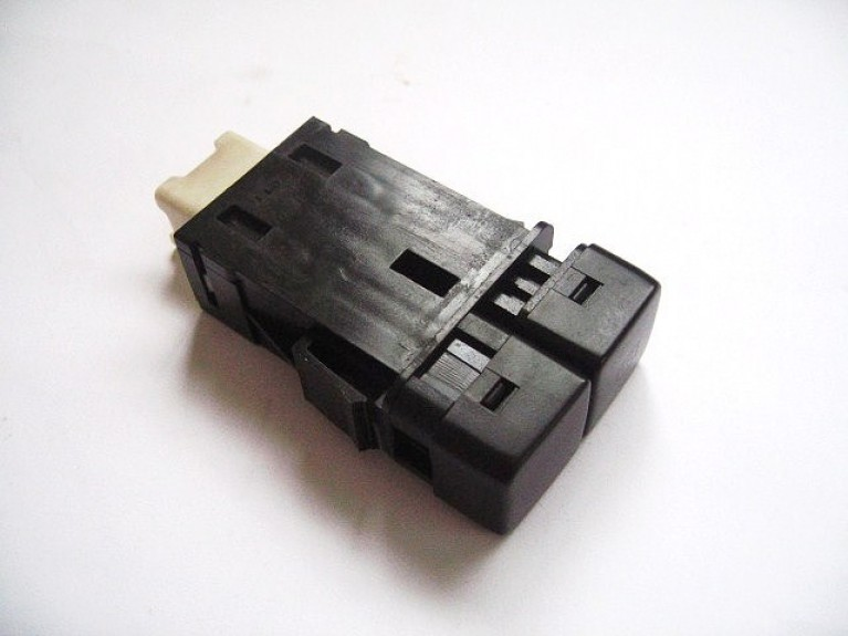 Heated rear window switch white connector MK1