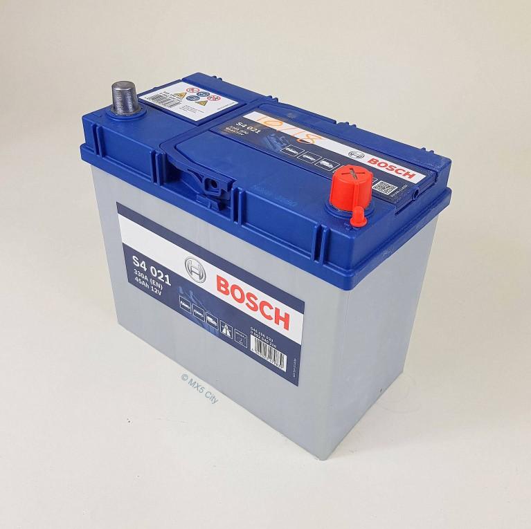 Bosch S4021 330A 45Ah Battery